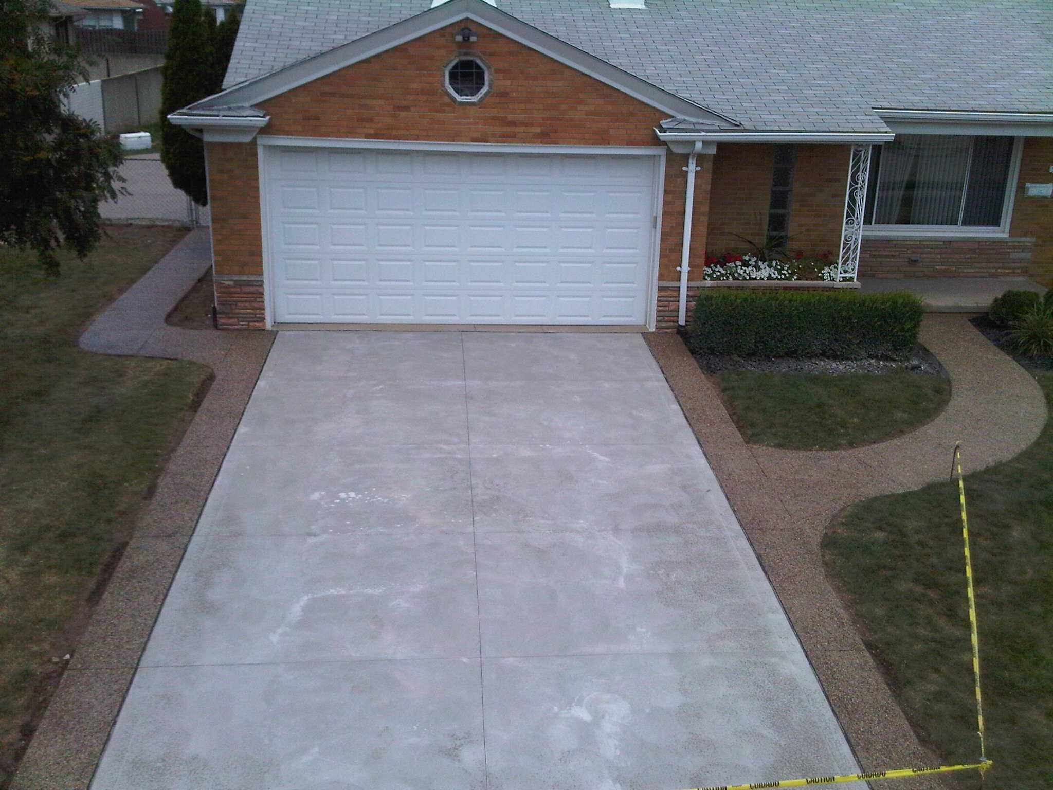 Null concrete driveway with exposed aggregate borders solutioingenieria Choice Image
