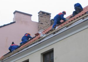 Signs That Your Metro Detroit House Needs a New Roof