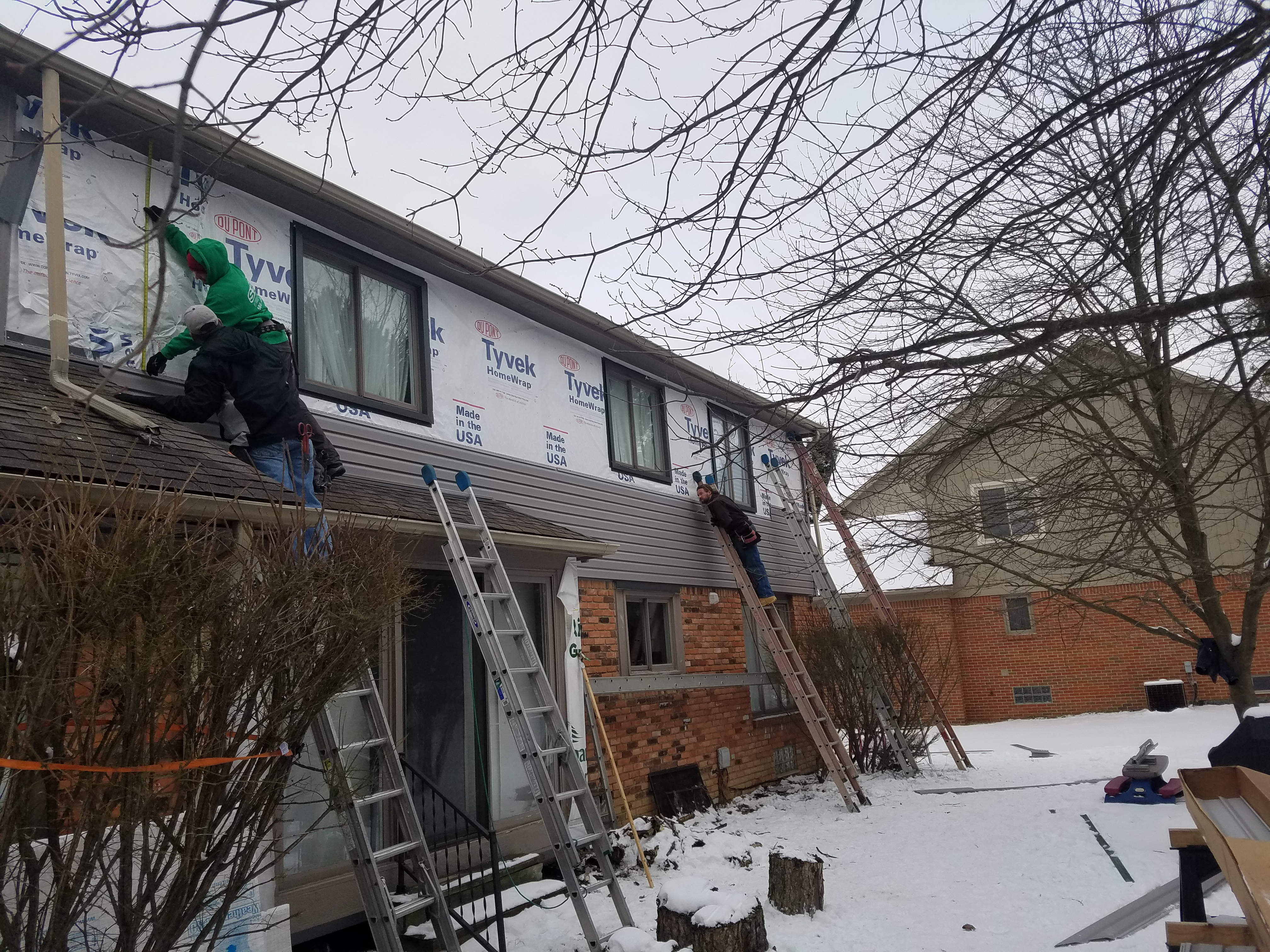 Rochester Hills Vinyl Siding Progress (4)
