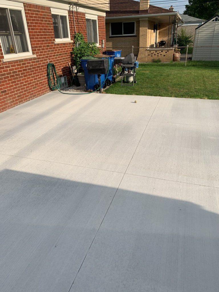 Warren Michigan Concrete Patio
