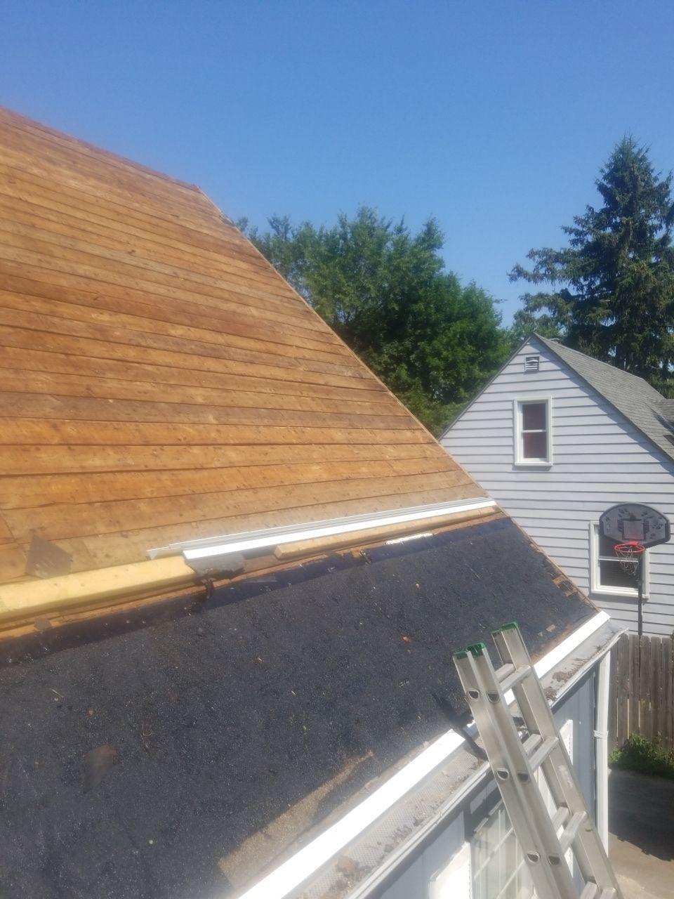 Macomb County Roofer